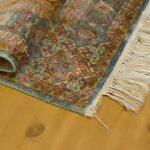 Uszkodzenia dywanu jedwabnego