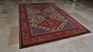 Odtworzenie frędzli w dywanie z Kietrza zakończone