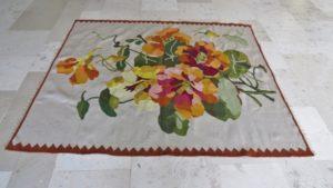 Naprawiony przepiękny kwiatowy kilim