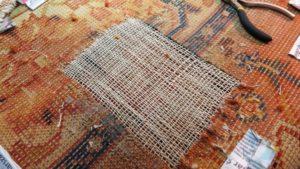 Odtworzona osnowa i wątek dywanu