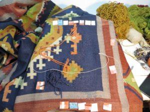 Kolejny naprawiony fragment kilimu
