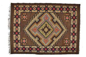Kilim wełniany wzór dywanowy